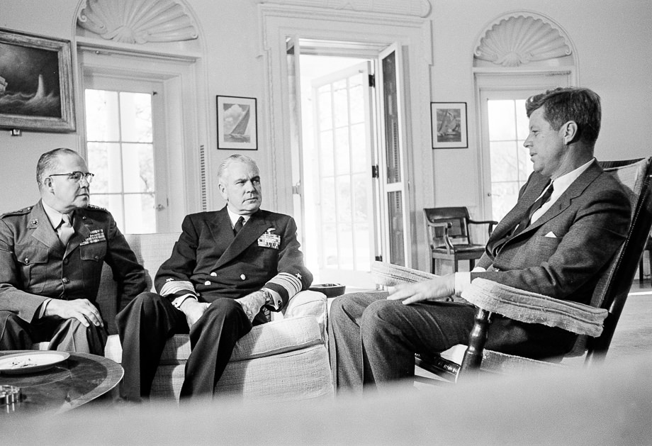 photos  u00bb october 1962  u00bb jfk u0026 39 s white house  u0026 the cuban missile crisis